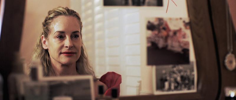 Amanda Wyss in THE ID