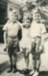 Lee, Carol and Bobby on 46th Street.JPG