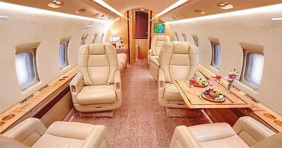 Challenger604_interior_heavy_jets.jpg