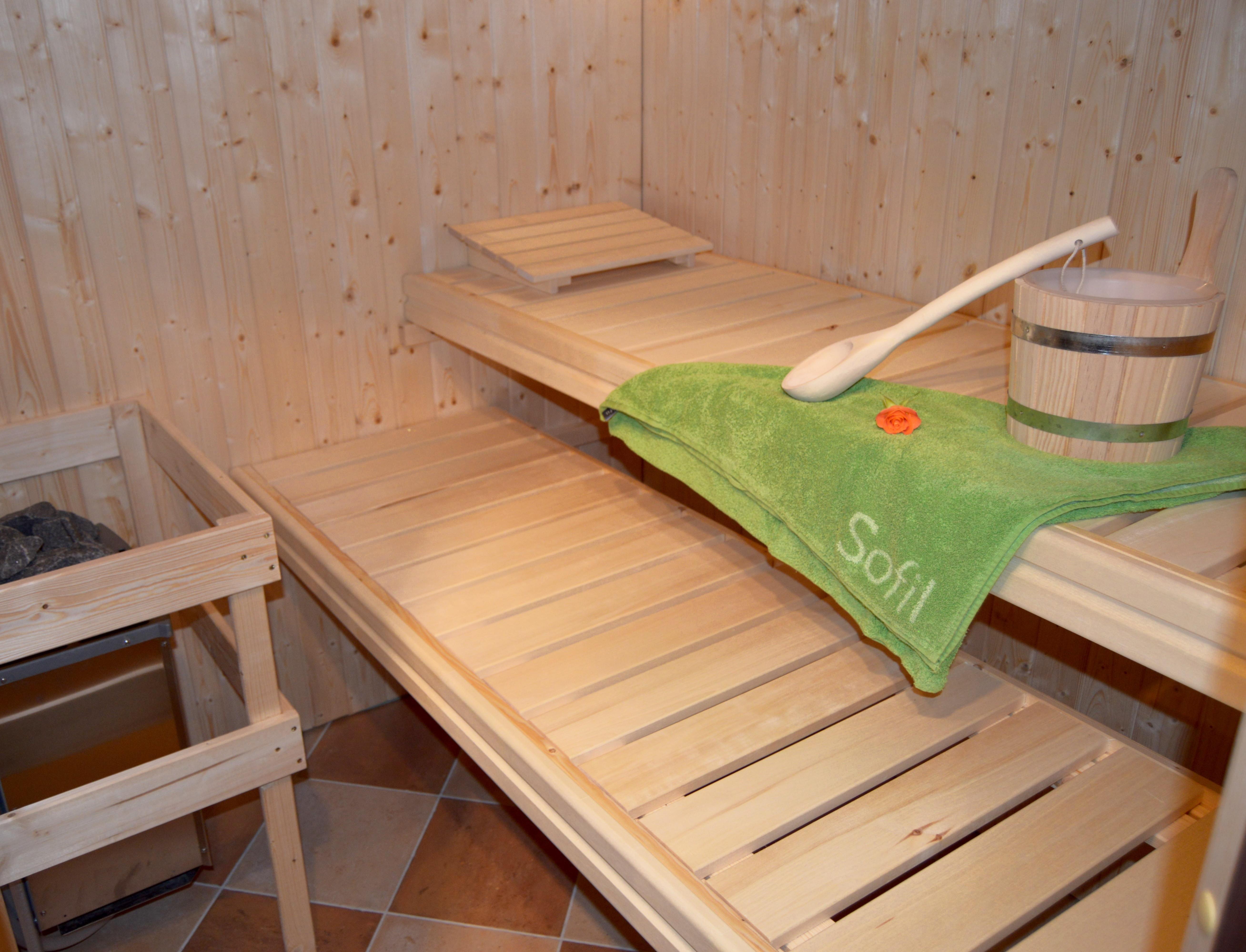 Die Sauna mit Steinofen