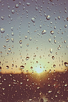 Rain-drops-water-window