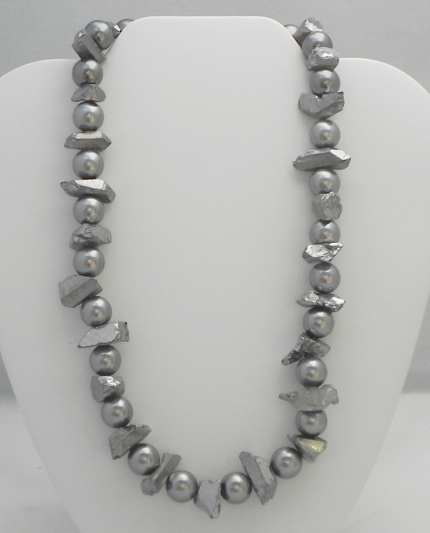 Swarovski Pearls & Quartz #827