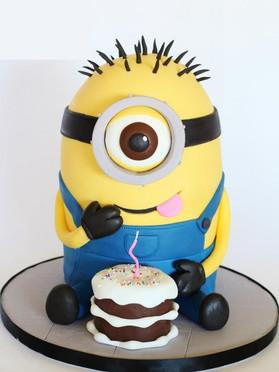 Minion-Cake-by-Loris-Sweet-Cakes.jpg