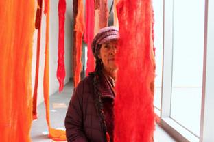 Oír a nuestros ancestros, una mirada retrospectiva de Cecilia Vicuña