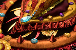 Vaginas del Gran Poder , poesía , hilos de colores y piedras preciosas para empoderar desde Bolivia