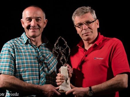 【巔佬】山巔。英國 Mick Fowler & Paul Ramsden