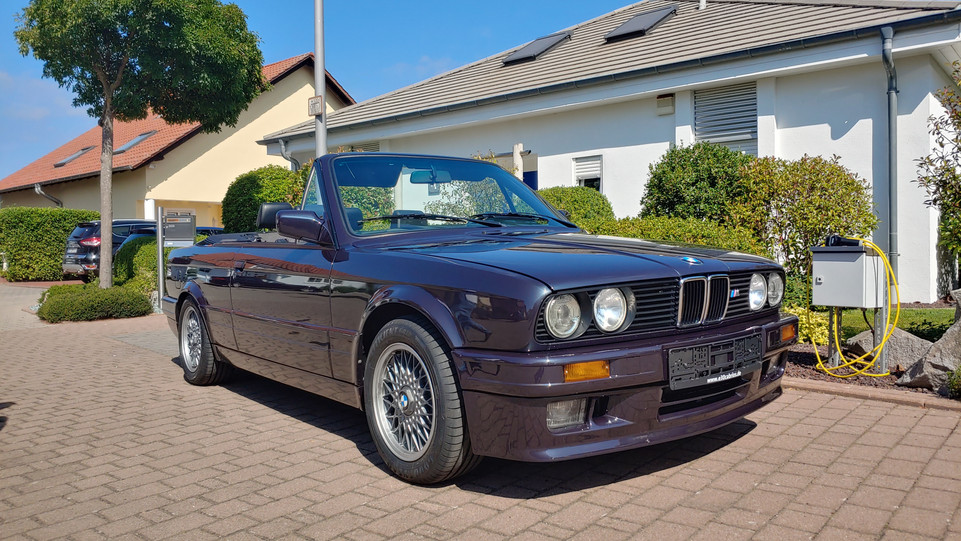 325i First Edition