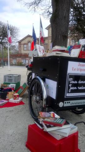 Jean devant la Mairie de Noisiel 27-03-19