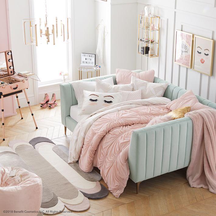 Girl's Room-04