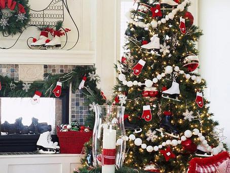 裝飾起家中的聖誕樹