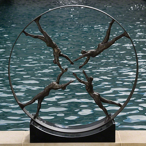 Reaching For Center Sculpture 四人雜技圈