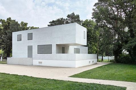 1_1_Vorbild Neues Meisterhaus.jpg