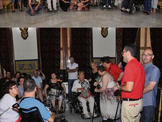 Recepción oficial a 40 turistas con discapacidad