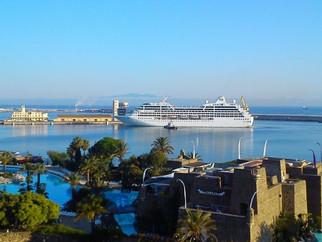 El Ocean Princess, atendido por Servicios Turísticos, inaugura la temporada de cruceros 2015