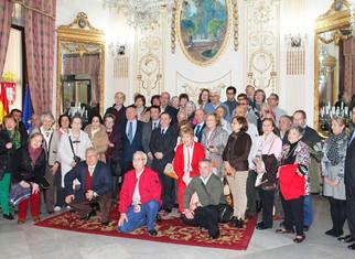 Turismo atiende al primer grupo de mayores de viajes del Imserso