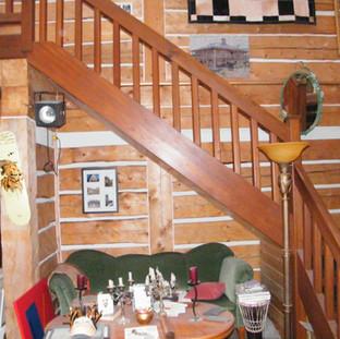 Interior log chinking