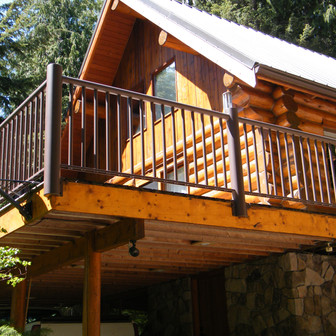 Log Home in Salmon Arm
