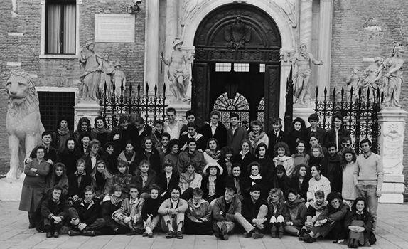 alumni_1987.jpg