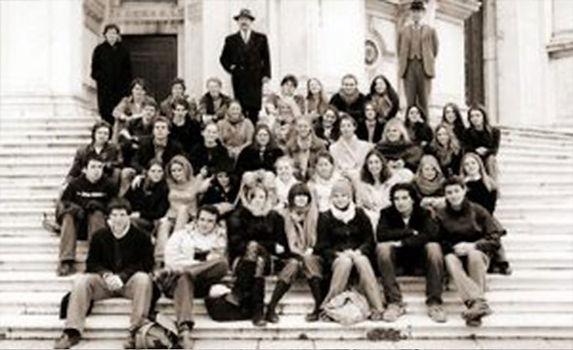 alumni_2004.jpg