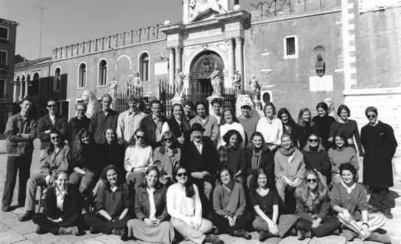 alumni_1995.jpg