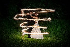 Braut und Bräutigam im Lichterglanz