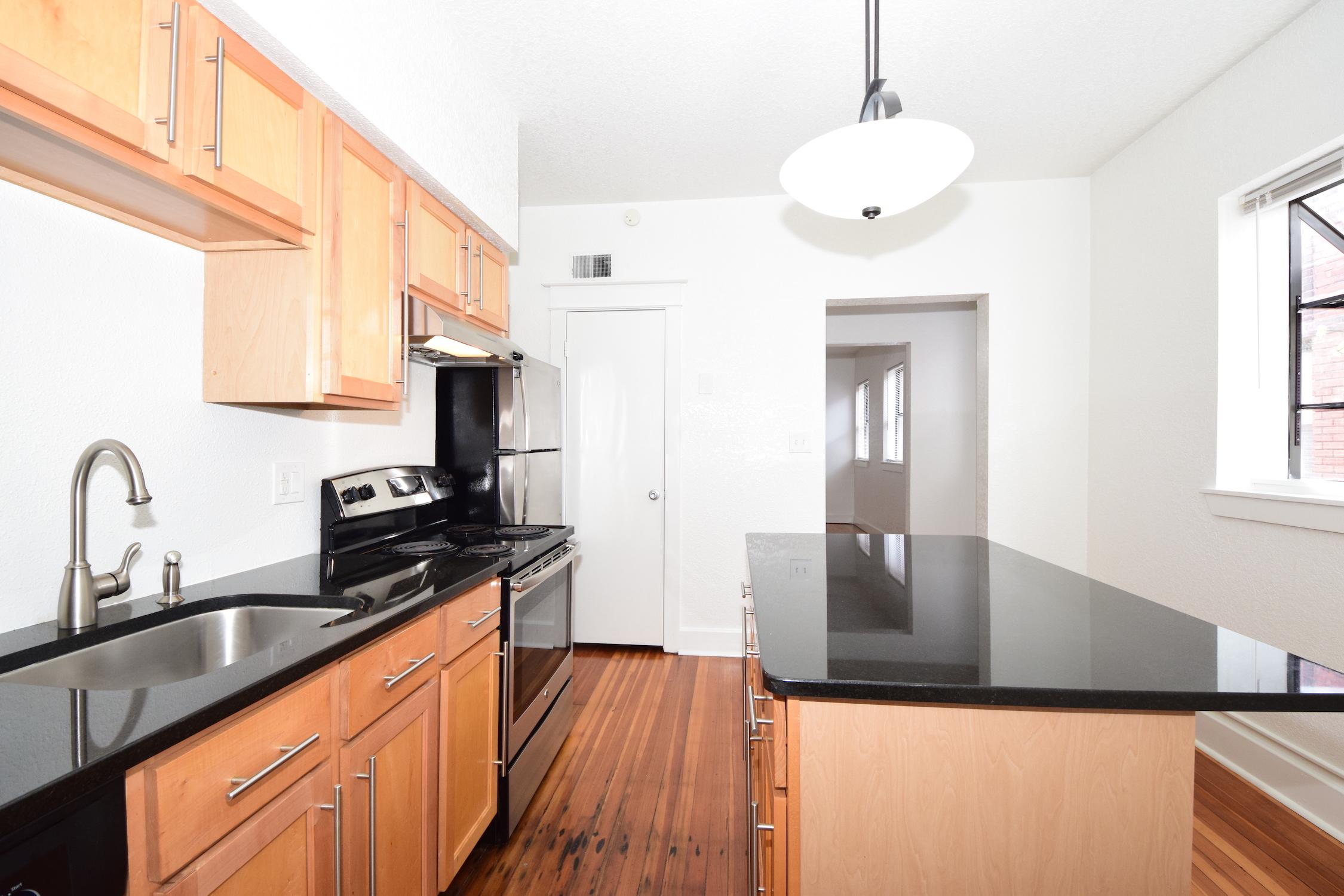 Kitchen 11' x 11.5'