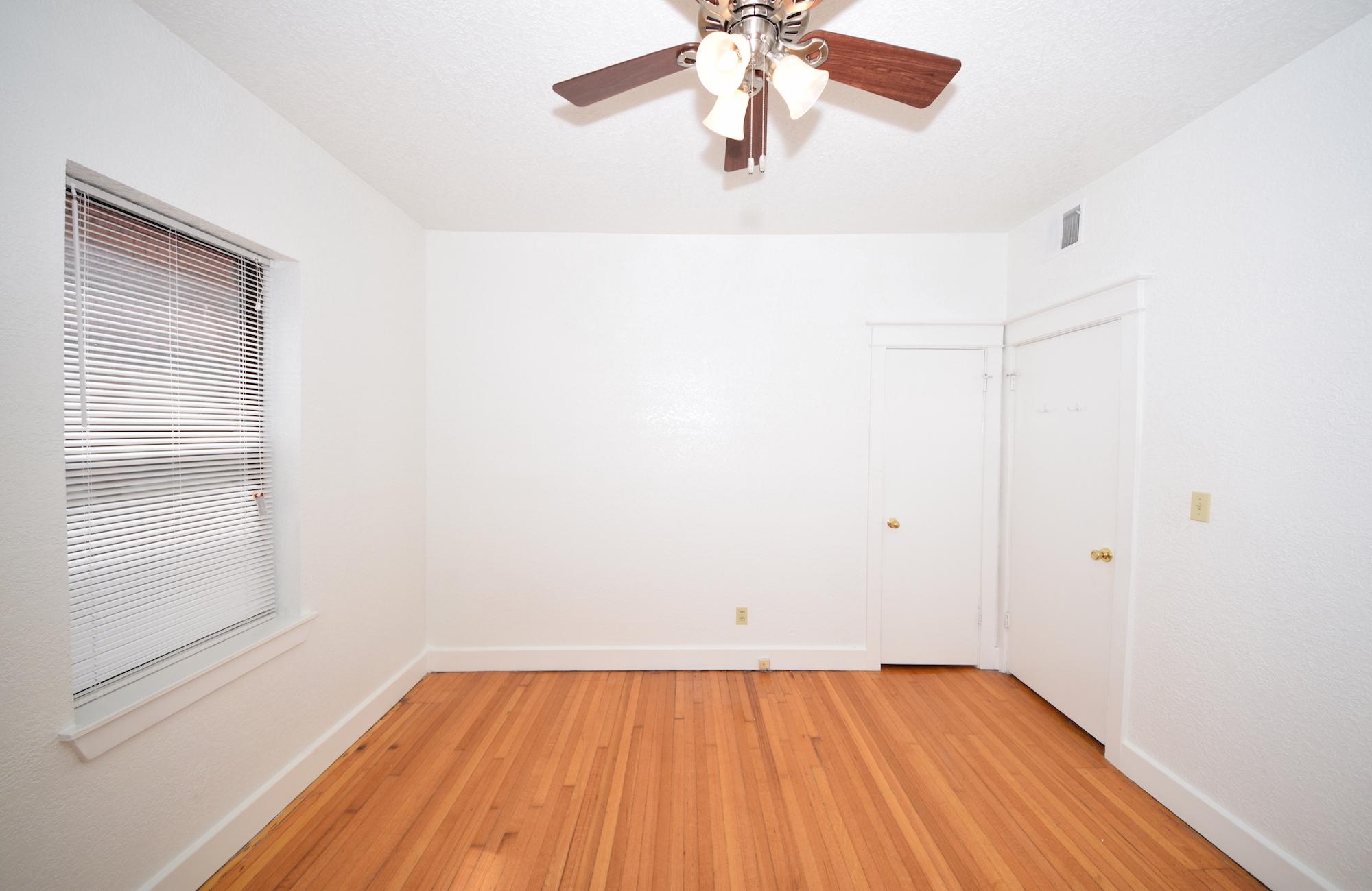 Bedroom 11.75' x 11.75'