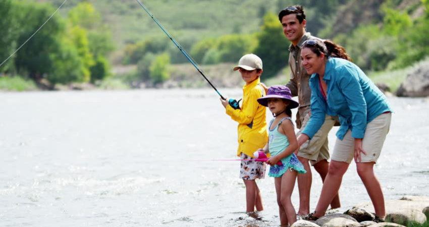 Family fishing.jpg