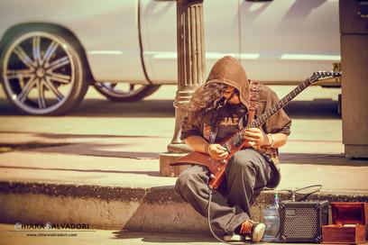 The street guitarist - California