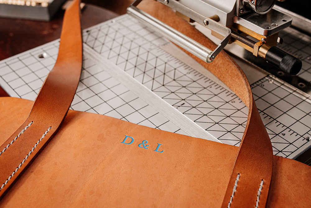 We used a matt light blue foil for this embossing of our leather tote bag.
