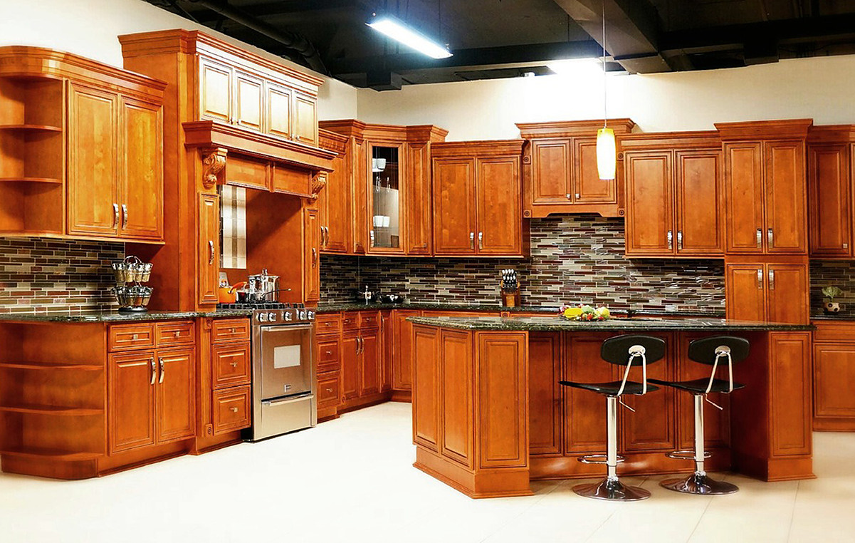 MOCHA MAPLE GLAZED  KITCHEN 1