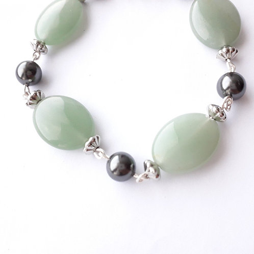 Aventurine and Black Pearl Chain Bead Bracelet