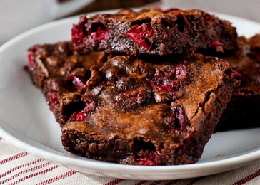 Chocolate Brownies with Cranberries and Verjuice