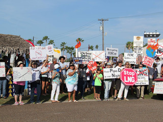 Citizens Protest FERC Hearing in Port Isabel