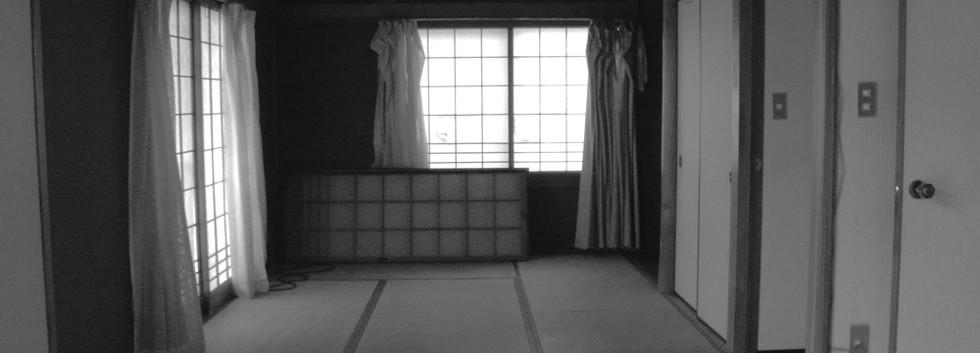 改修前。6畳の畳の部屋が台所とつながってありました。