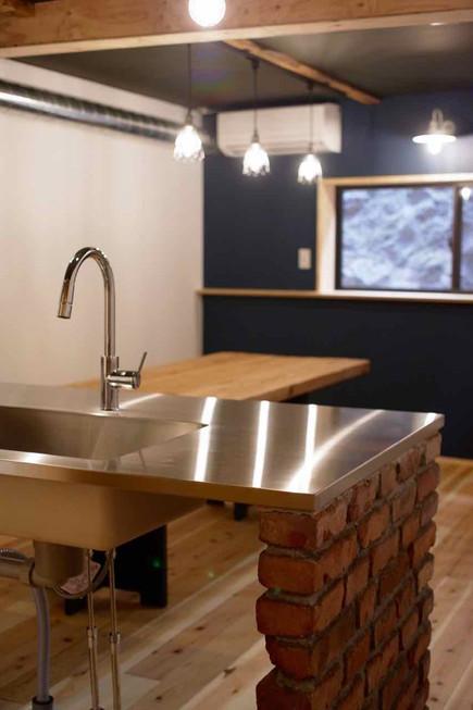 W2700D900という頼り甲斐のある広いキッチン。