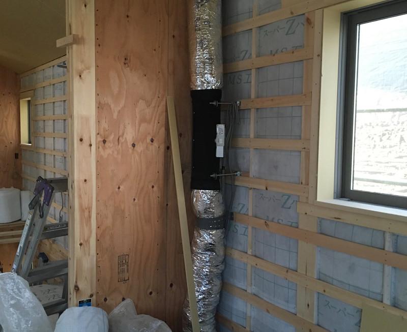 構造はSE構法、断熱材はセルロースファイバー、空調はパッシブ冷暖というハイスペックな住宅です。