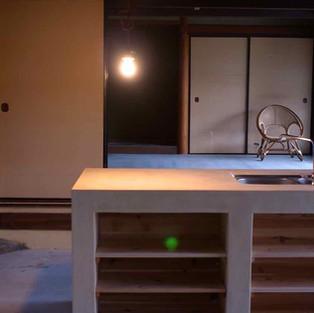 笠岡の茅葺の家