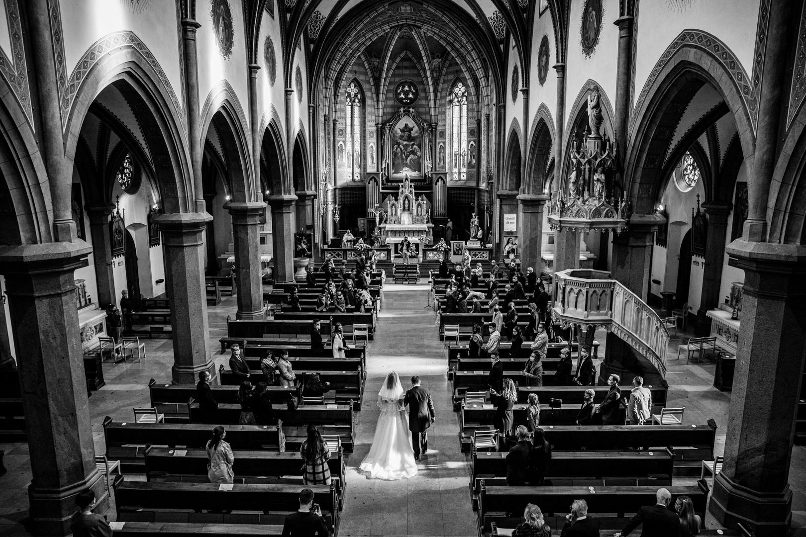 matrimonio-bolzano-ingresso-chiesa