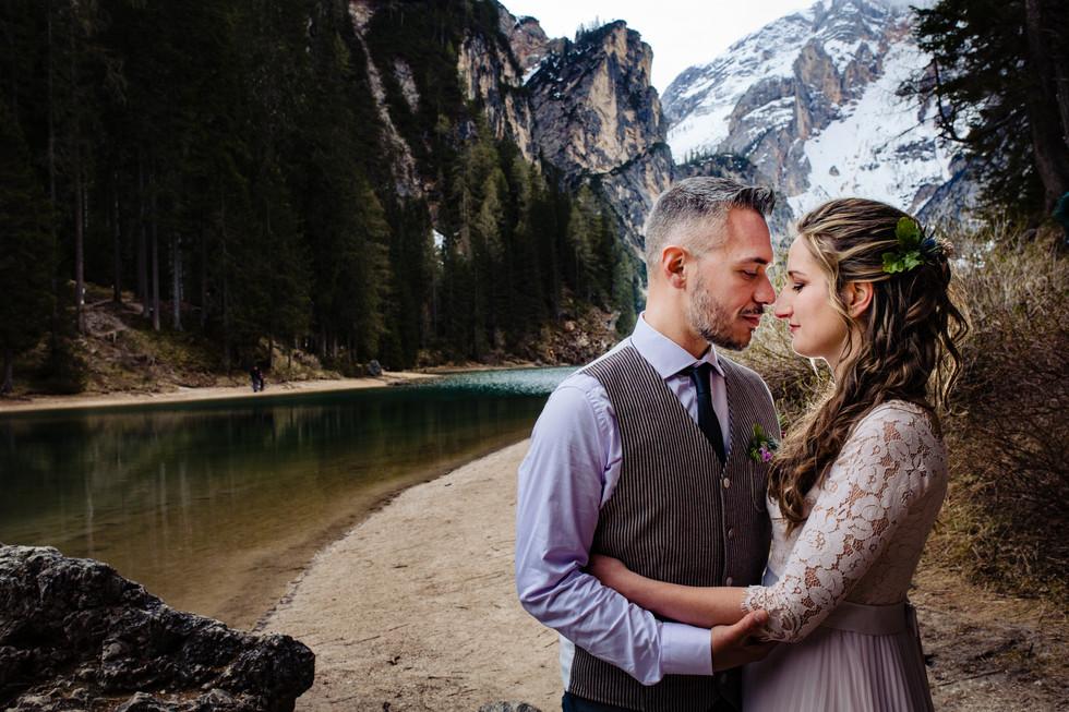 Servizio Fotografico di coppia al Lago di Braies