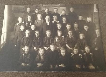 Skolfotografi från Kovjoki 1923_edited.j