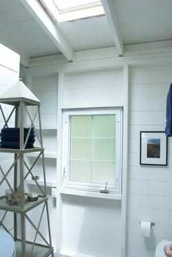 BATHROOM, deepBlueSea cottage