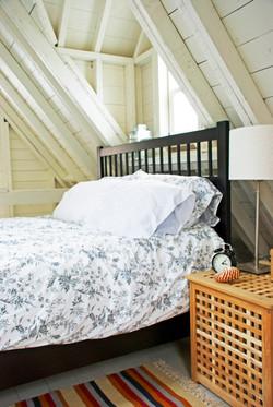 BEDROOM deepBlueSea cottage