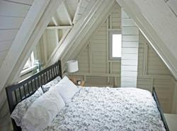 BEDROOM, deepBlueSea cottage