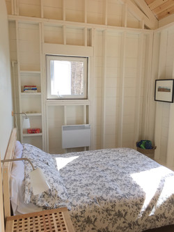bedroom, tumbleSea cottage