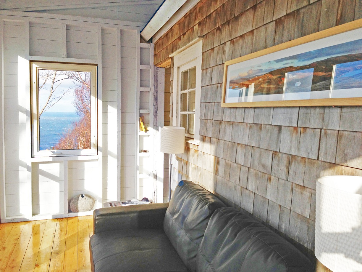 Sunroom, deepBlueSea cottage