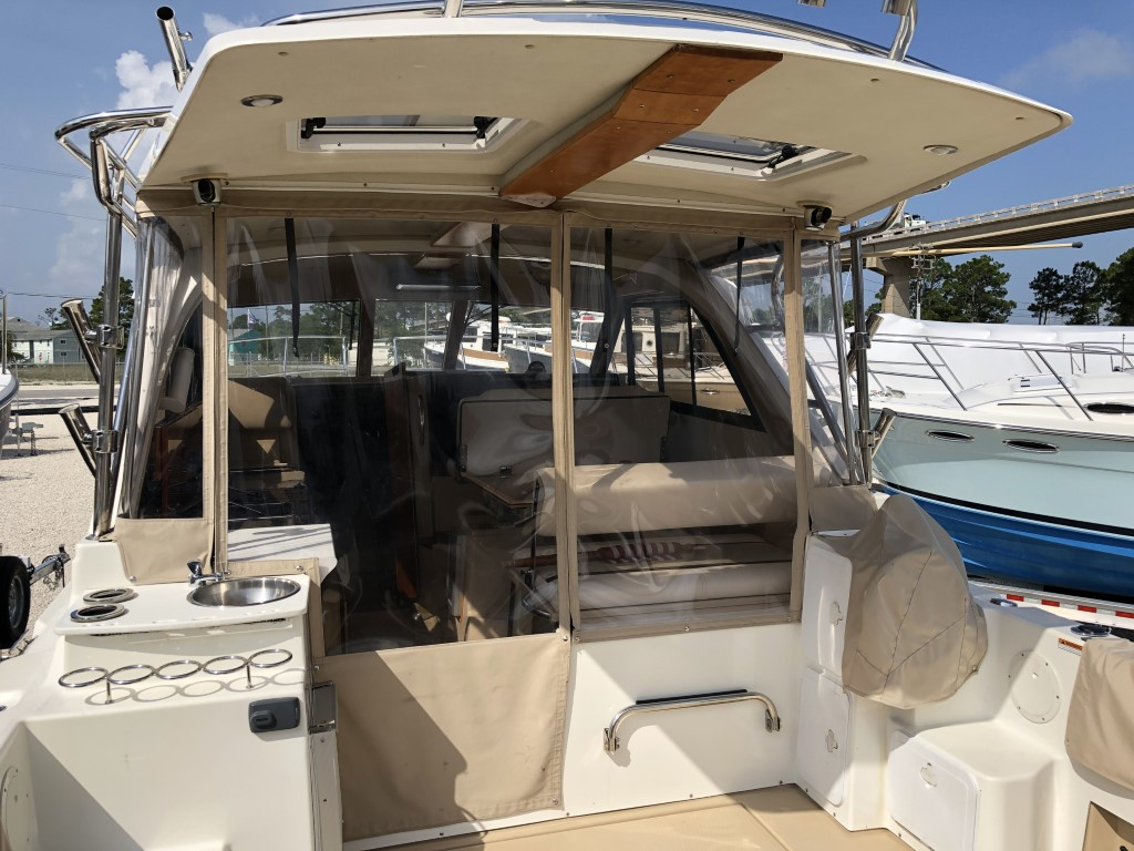 30 Cutwater sport coupe 2014 (8).jpg
