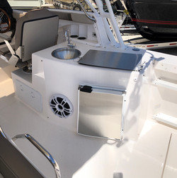 C-24 Cuwater dual console bow rider