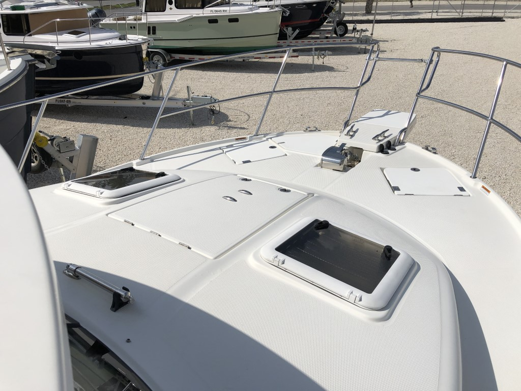 30 Cutwater sport coupe 2014 (21).jpg
