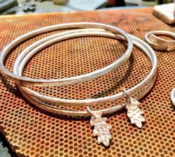 Kate Bajic jewellery tuition, bangle wor
